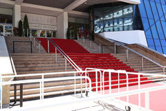 Le tapis rouge vide de la renommée photographie stock