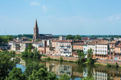 Le Tarn river passing through Montauban, France Stock Photography
