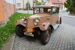 Le Tatra 12 est un modèle d'automobile de cru fait par le fabricant tchèque Tatra images stock