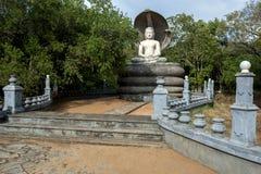 Le temple admirablement conçu de tête de cobra chez Pidurangala dans Sri Lanka Photographie stock libre de droits