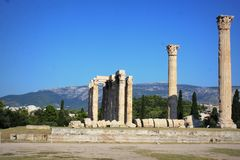 Le temple antique de Zeus olympien à Athènes, Grèce image stock