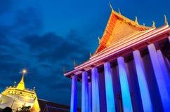 Le temple d'or saint de montagne, Bangkok, Thaïlande Photos libres de droits