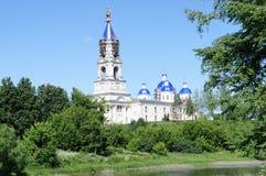 Le temple dans la ville provinciale de la région de Kashin Tver Photo stock