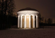 Le temple de l'amitié en parc de Pavlovsk Image stock