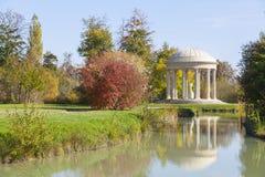 Le temple de l'amour dans les jardins de Trianon Image stock