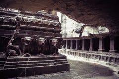 Le temple de la caverne de Kailash ou de Kailasanatha dans Ellora foudroie l'Inde Photos stock