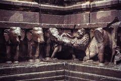 Le temple de la caverne de Kailash ou de Kailasanatha dans Ellora foudroie l'Inde image libre de droits