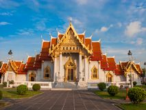 Le temple de marbre, Wat Benchamabopit Dusitvanaram à Bangkok, Th photos stock