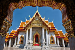 Le temple de marbre, Wat Benchamabopitr Dusitvanaram Bangkok THAÏLANDE Photo libre de droits