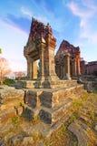 Le temple de Preah Vihear est situé dans un environnement agréable avec une campagne attrayante légèrement à l'est de la mi secti images stock