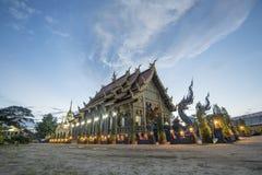 Le temple de Wat Rong Sua Ten est l'endroit célèbre dans le chiangrai un autre Photographie stock