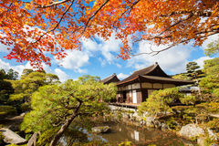 Le temple du pavillon argenté au Japon Images stock