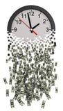 Le temps, c'est de l'argent Horloge tombant en morceaux aux dollars Photographie stock libre de droits