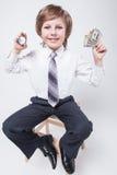 Le temps, c'est de l'argent, un homme d'affaires réussi, prévoyant Image libre de droits