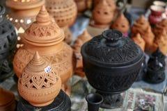 Le terraglie sono vendute a Koh Kret Nonthaburi Thailand immagine stock
