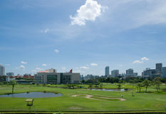 Le terrain de golf au club de sports royal de Bangkok Images stock