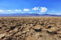 Le terrain de golf du diable, Death Valley, le comté d'Inyo, la Californie photo libre de droits