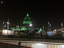 Le terrain de jeu de San Francisco Civic Center a de nouvelles lumières de périmètre photographie stock