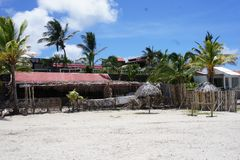 Le territoire d'un hôtel cher sur l'île de Rodriguez, située au milieu de l'Océan Indien images libres de droits