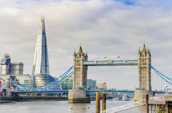 Le tesson et le pont de tour, Londres Photos stock