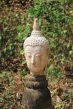 Le teste di vecchia statua abbandonata di Buddha Immagine Stock