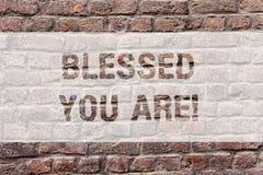 Le texte d'écriture de Word béni te sont Le concept d'affaires pour la gratitude spirituelle croient en plus grande puissance d'a images libres de droits