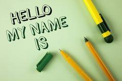 Le texte d'écriture de Word bonjour mon nom est Concept d'affaires pour rencontrer quelqu'un nouvelle présentation d'entrevue d'i Photos stock