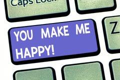 Le texte d'écriture vous écrivant me rendent heureux Signification de concept quelque chose ou quelqu'un qui donnent le plaisir e images libres de droits