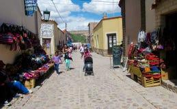 Le textil coloré s'est vendu à la rue en Amérique du Sud Photographie stock
