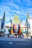 Le théâtre chinois de Grauman de vue de Hollywood Boulevard sur Hollywood Boulevard Images libres de droits