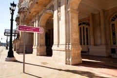Le théâtre national Alicia Alonso de La Havane près du Central Park, La Havane, Cuba Images libres de droits