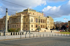 Le théâtre national dans la ville de Prague Images stock