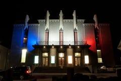 Le théâtre national de l'Islande dans les couleurs françaises Image libre de droits