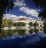 Le Thibet - le palais de Potala - Lhasa Images libres de droits