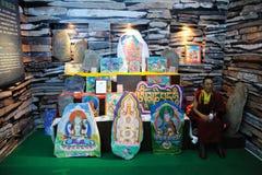 Le Tibétain a coloré les pierres découpées des gesar Image libre de droits