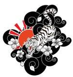 Le tigre avec la fleur et le tatouage japonais de nuage conçoivent le vecteur Photos stock