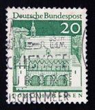 Le timbre de l'ALLEMAGNE montre le gatehall de Carolingian, Lorsch, vers 1966 Image stock