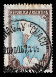 Le timbre imprimé en Argentine montre la carte de l'Argentine et des territoires antarctiques image stock