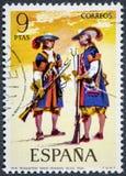 Le timbre imprimé en Espagne montre le champignon troisièmement vieux 1694 pourpre photos libres de droits