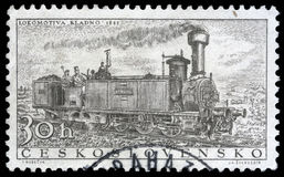 Le timbre a imprimé en Tchécoslovaquie montrant la locomotive de ` de Kladno de ` image stock