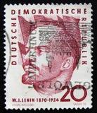 Le timbre-poste de la RDA Allemagne montre le portrait de Vladimir Lenin, chef communiste russe, vers 1960 Photos stock
