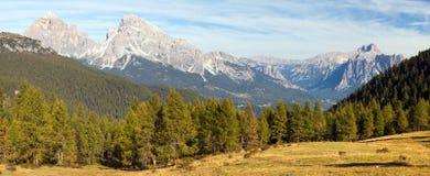 Le Tofane Gruppe e Hohe Gaisl, Dolomiti, Italia Immagini Stock