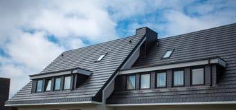 Le toit de la maison est très beau photos stock