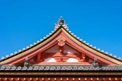 Le toit du temple traditionnel japonais Images stock