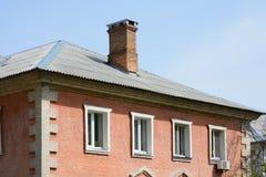 Le toit est d'ardoise de toit d'amiante Photographie stock libre de droits