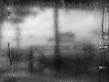 Le ton noir et blanc de l'eau chute de la condensation à la maison sur a Image libre de droits