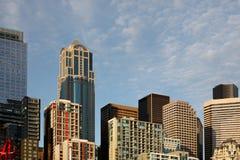 Le torrette della costruzione del grattacielo compongono un orizzonte della città Fotografie Stock