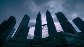 Le torri gemelle di Petronas Kuala Limpur, Malesia archivi video