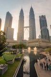 Le torri gemelle di Petronas in Kuala Lumpur, Malesia Immagini Stock Libere da Diritti