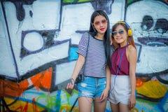 Le tourisme, le voyage, les loisirs, les vacances et le concept d'amitié - Photographie stock